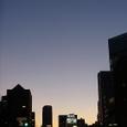 メトロポリスの夕暮れ。